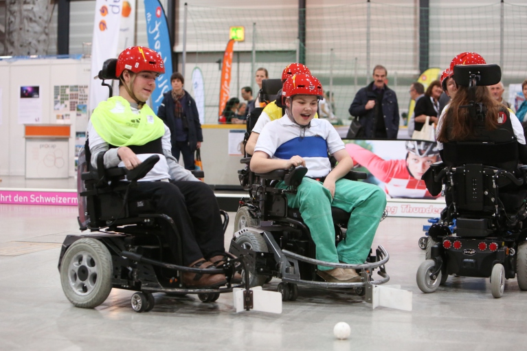 E-Hockey-Spieler in der Messehalle in Luzern